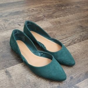 Forever 21 Riley Rose green flats size 7.5